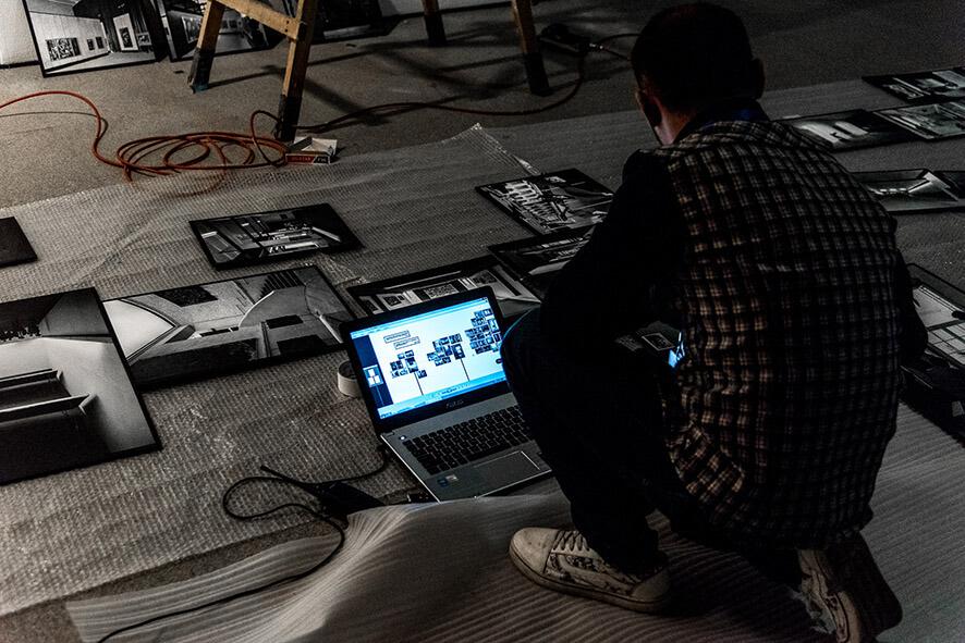 17_03_01_Ausstellung_Mythos documenta_19cm__MSO1234_com